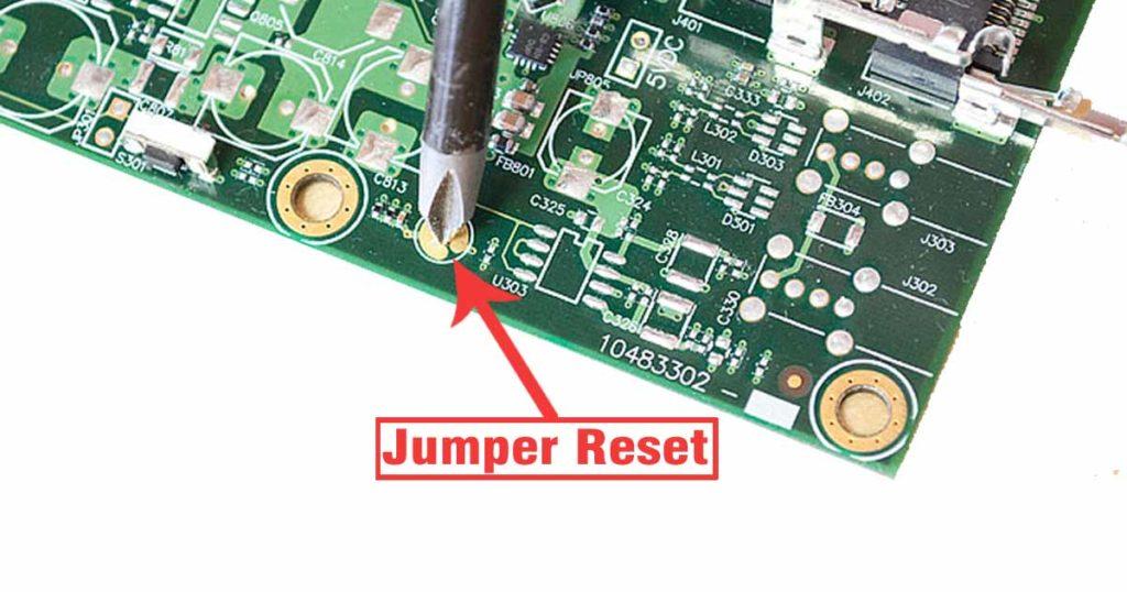 Jumper Reset MikroTik